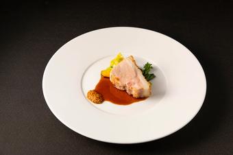 グラスシャンパーニュ1杯付 フォワグラのアミューズ お魚料理とお肉料のWメイン