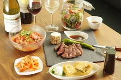 〆の蕎麦・メイン肉料理つきパーティプラン。歓送迎会に最適2.5時間飲み放題