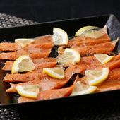 サーモンの美味しさを引き出す塩を厳選『サーモンの塩レモンカルパッチョ』