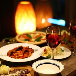 2.5時間飲み放題付き!牛ステーキや、ミートピザ・デザートなど8品付コースです!各種宴会に◎