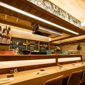 季節を感じながらお酒と料理を楽しむ、大人な隠れ家的空間