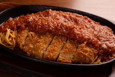 食べ応え抜群の樹林特製『スパカツ』(カツミートソーススパゲッテイ)