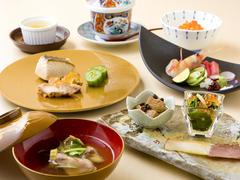 お料理七品 地物を使用したお料理。県外からのお客様のおもてなしにぴったりです。