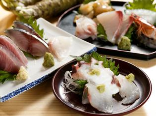 新鮮な旬魚を満喫! 1切れから注文可能な『刺身』