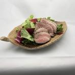 肉問屋直営店ならではの良質なジビエはギフトや土産にも好適