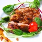 ジューシーで旨みのある大山鶏をハチミツの甘さとピリッとしたマスタードソースで絡め焼き。