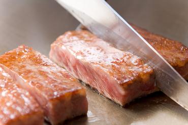 極上の柔らかさと肉本来の美味を存分に堪能できる『黒毛和牛ヒレステーキ』