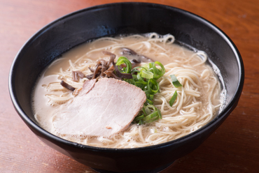 九州産のとんこつをじっくり煮出したスープを味わう『あっさりとんこつ』