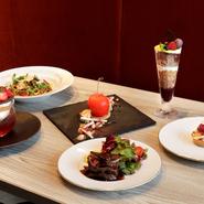 カジュアルなフランス料理や、フォトジェニックな皿盛りのデザートをラグジュアリーな空間で楽しめる【ボン ボヌール】。「銀座三越」の4階で、おしゃれに午後の女子会をしてみませんか。