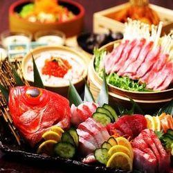 【真】料理長厳選の旬の食材、鶏の絶品水炊きor厳選博多もつ鍋付きコース!