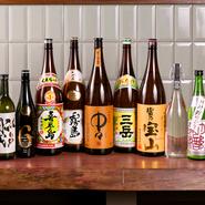 料理のお供にかかせない酒は、全国各地から厳選したものがズラリ。金子氏曰く、「珍しいものや人気のものも仕入れるようにしている」のだとか。仕入れたお酒はSNSで紹介しているので、要チェックです。