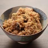 日替わりの豆を一緒に炊きこんだ、もちもち食感がたまらない『玄米ごはん』