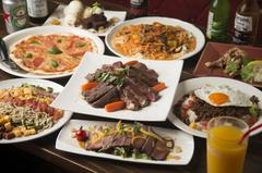 1kg前後のステーキをシェアして食べる人気のコース!女子会なども盛り上がります。※ご予約4名様~