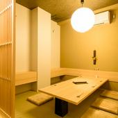 接待や会食、ファミリーでの利用に最適なお座敷半個室をご用意