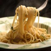 〆の一皿に人気。名物パスタ『国産にんにくのペペロンチーノ』