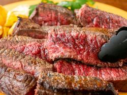 特大サイズの「長崎和牛」ステーキに大盛り上がり必至のお得な飲み放題付きコースです。