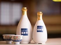 日本酒は九州の酒蔵のものが中心。オリジナルの日本酒・焼酎も