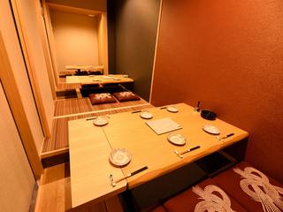 接待や会食、結納、顔合わせなど、特別な雰囲気を演出する個室