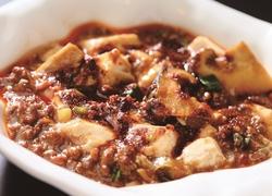 ウインザーホテル洞爺元副料理長がつくる本格中華と海鮮和食のコース。