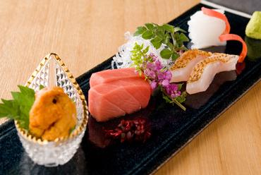 お酒に合う!  日本各地の新鮮な海の幸で彩る『お造り』