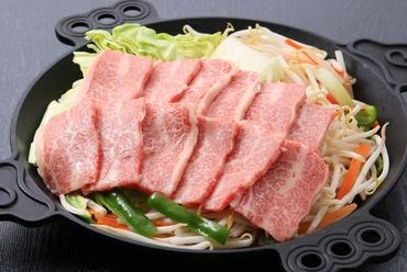 野菜と一緒にモリモリ食べてもヘルシーな『ジンギスカン鍋(2~3人前)』