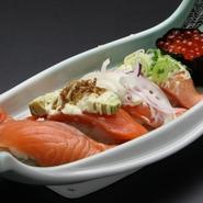 普通の回転寿司とは違った、本格的な回転寿司を味わってみませんか。旬の魚に厳選されたしゃり、ちょっと贅沢な気分でご堪能ください。