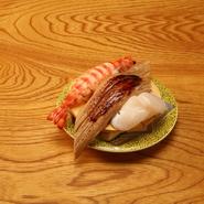 地場の新鮮な魚介を贅沢に使った本格派の寿司です。舌の肥えた地元のお客様をうならせる、旬の逸品をご堪能ください。