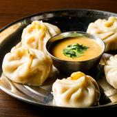 スパイシーソースで食べる、旨みたっぷりのネパール風餃子『モモ』(5個入)