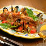 ※使用する魚は季節によって変わります(写真はホウボウのアクアパッツァです)。