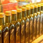 シェフ厳選のオリーブオイルは、イタリアから取り寄せたもの。メニューによって使い分けられています。