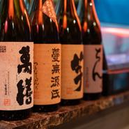 各種焼酎は九州などの銘柄を15種類、日本酒は20種類ほど。山口の地酒では『東洋美人』『原田』『貴』『獺祭』『雁木』がおすすめです。期間限定の日本酒もあります。