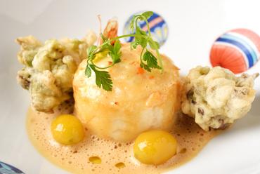魚介の旨みと香りと食感を楽しむ『帆立スフレ仕立てクリュスタッセソース』