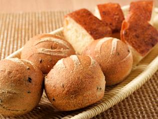 """オープン以来、進化し続ける""""未完成""""の『自家製天然酵母パン』"""