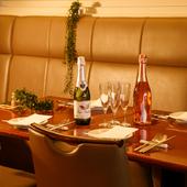 記念日のディナーにも最適。しっとり落ち着いた大人のデート