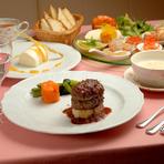 隠れ家レストランで落ち着いた雰囲気の中でのお食事ができます。