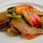 10種類以上の野菜とポークフィレの、優しい味わいの組み合わせ『野菜たっぷりポークソテー』ランチコース