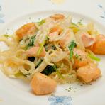 柔らかくもちもちした食感が魅力!フランス風の『パスタ クリームサーモン』ランチコース