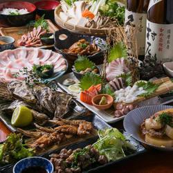 メインは黒豚しゃぶしゃぶ、博多もつ鍋、地鶏ちゃんこ鍋からお選びいただけます。