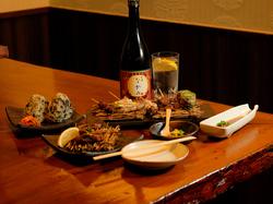 自家製豆腐やユッケ風アボカド、ローストビーフユッケ風など女性に人気のメニューを集めたコースです。