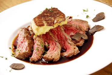 牛肉とフォアグラのロッシーニ牛肉とフォアグラのロッシーニ牛肉とフォアグラのロッシーニ
