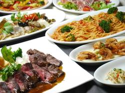 当店のオススメ人気メニュー、ハラミステーキや白身魚のアクアパッツアなどを全て盛り込んだ上質コース