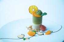 冬の定番、こたつとみかんをイメージした『お茶と柑橘のデセール』