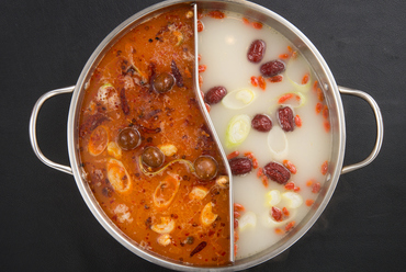奥行きのある味わいの『コラーゲン白湯スープ&麻辣スープ』