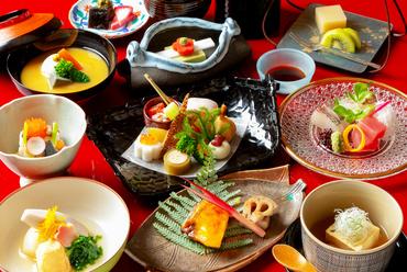 京都の季節を感じる彩り豊かな京料理。おすすめ懐石コース『高瀬川』