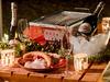 玉ねぎをしっかりと炒めたこだわりのビーフカレーに、「中落ちカルビ」を贅沢に乗せたキャンプカレーです。