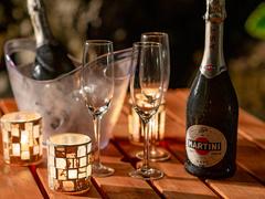 ロマンチックな暖色ランタンと共に【手ぶらBBQ&スパークリングワインで乾杯♪】
