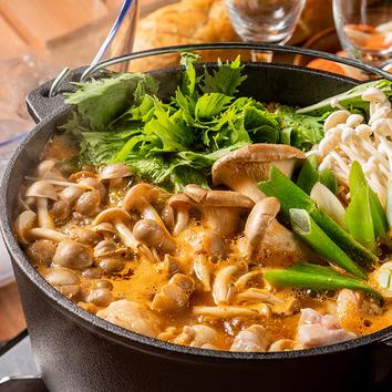 3名様~『ダッチオーブンのお鍋 森の基本コース』選べる鍋
