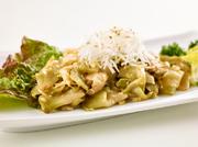 北海道産の旬の食材が贅沢に味わえる『厳選ディナーコース』は祝いの席や会食に好適です。料理人が趣向を凝らし、匠の技で美しく仕上げた一皿一皿がテーブルを彩ります。
