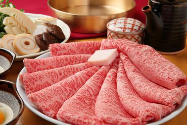 創業当初から続く伝統の味。変わらないおいしさを楽しむ『すき焼き』