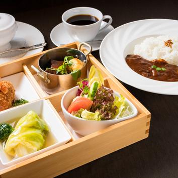 ●洋食コース弁当